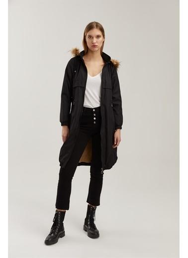 Z Giyim Kapşonlu Fermuarlı Eteği Lastikli İçi Kürklü Kaban Siyah